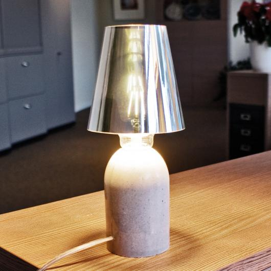 Paggio - Table lamp with adjustable lamp shade